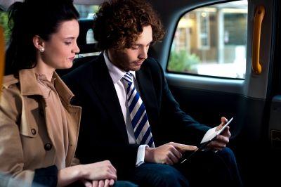 Mikor jár utazási költségtérítés? Mi számít bele a munkaidőbe?