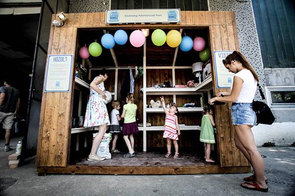 Ajándékdoboz: új közösségi adományozó pont Budapesten