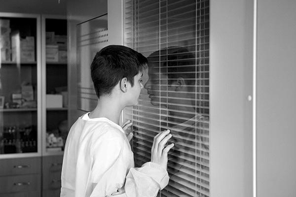 Megrázó fotókiállítás a leukémiás gyerekekről - Segíts te is a Démétér Ház építésében!