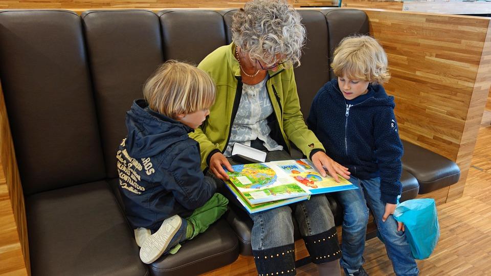 Nyelvtanulás babáknál, kisgyermekkorban - Ideális életkor, a korai nyelvtanulás előnyei, 5 tipp, hogy sikeres legyen