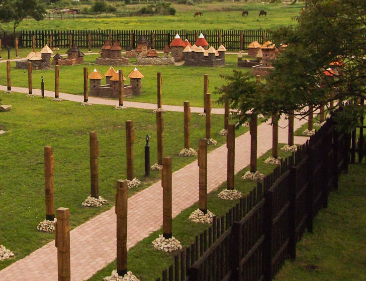 Dinnyési Várpark: különleges szabadidős park 30 középkori magyar vár mini változatával - Ezt a gyerekeknek is látnia kell!