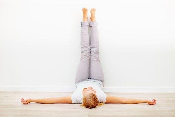 Jóga stressz ellen, alvászavarra - Egyetlen gyakorlat alvás előtt, hogy végigaludd az éjszakát és pihenten ébredj