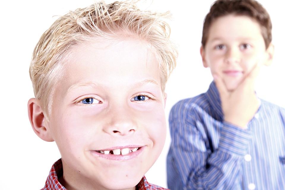 Testvérféltékenység kezelése - Hogyan nevelhetsz jó testvéreket?