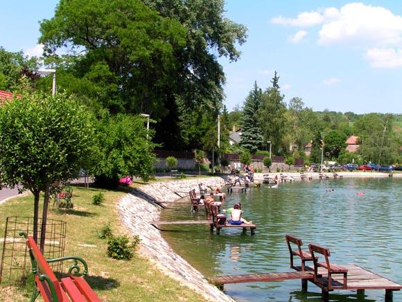Ide vidd strandolni a gyereket! - 15 kevésbé ismert tó az országban, ami a kisgyerekes családok kedvence