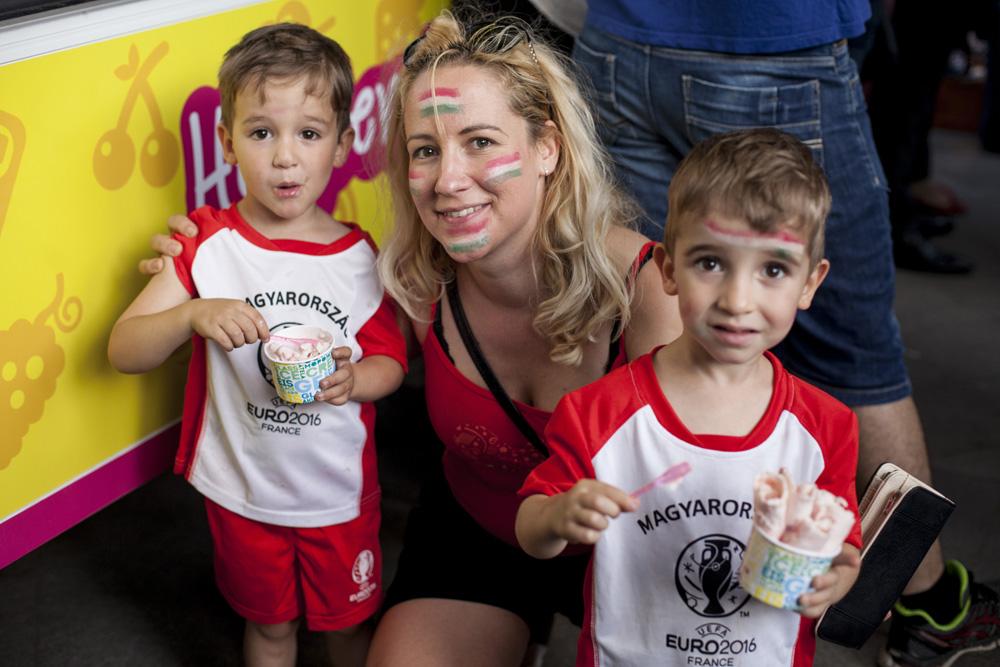 Fotók! Így szurkolnak a kisbabák és gyerekek a 2016-os Foci Eb-n