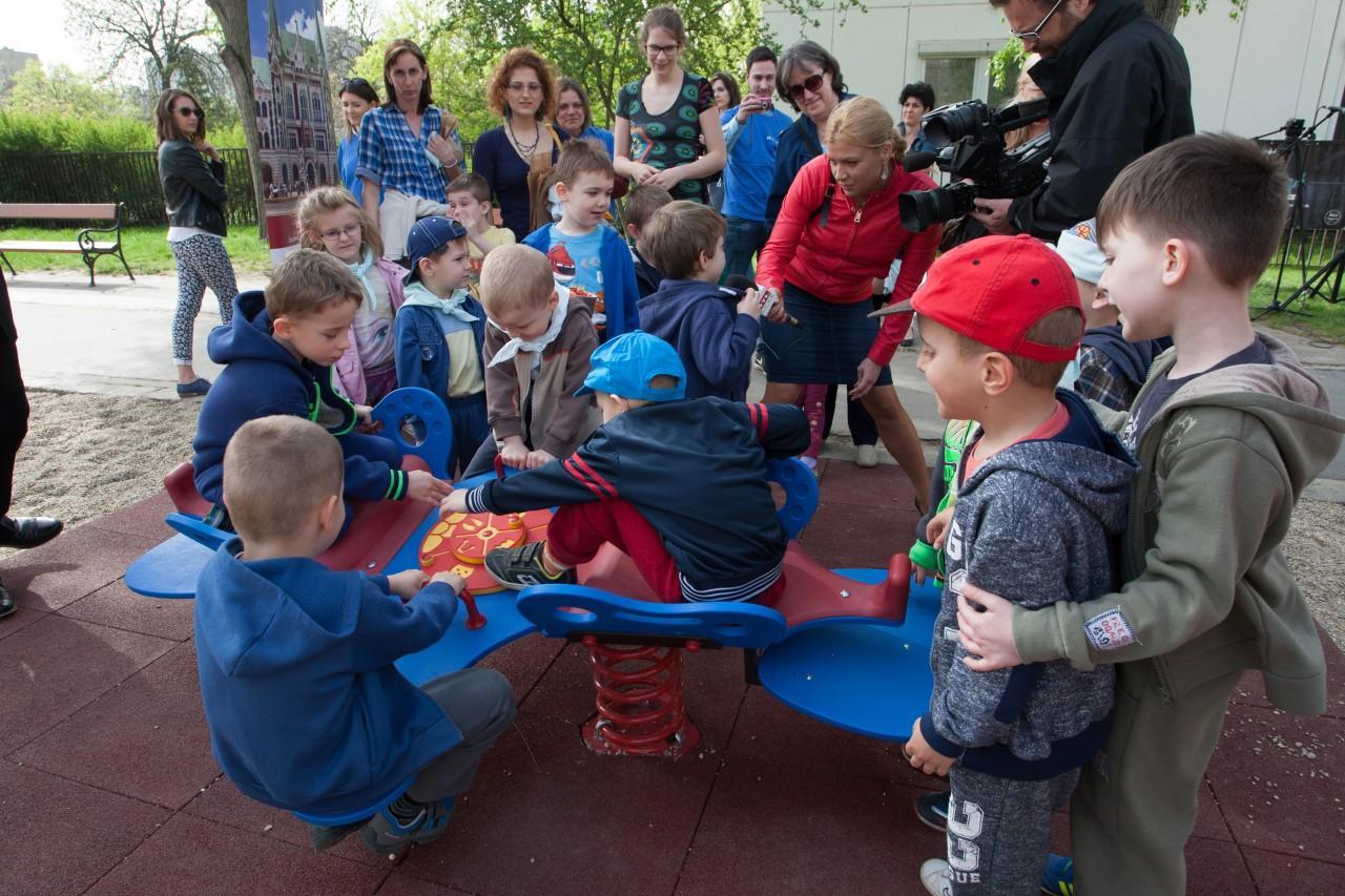 12 különleges játszótér az országban, ahol minden kisgyermek boldogan játszhat - Még akkor is, ha mozgássérült!
