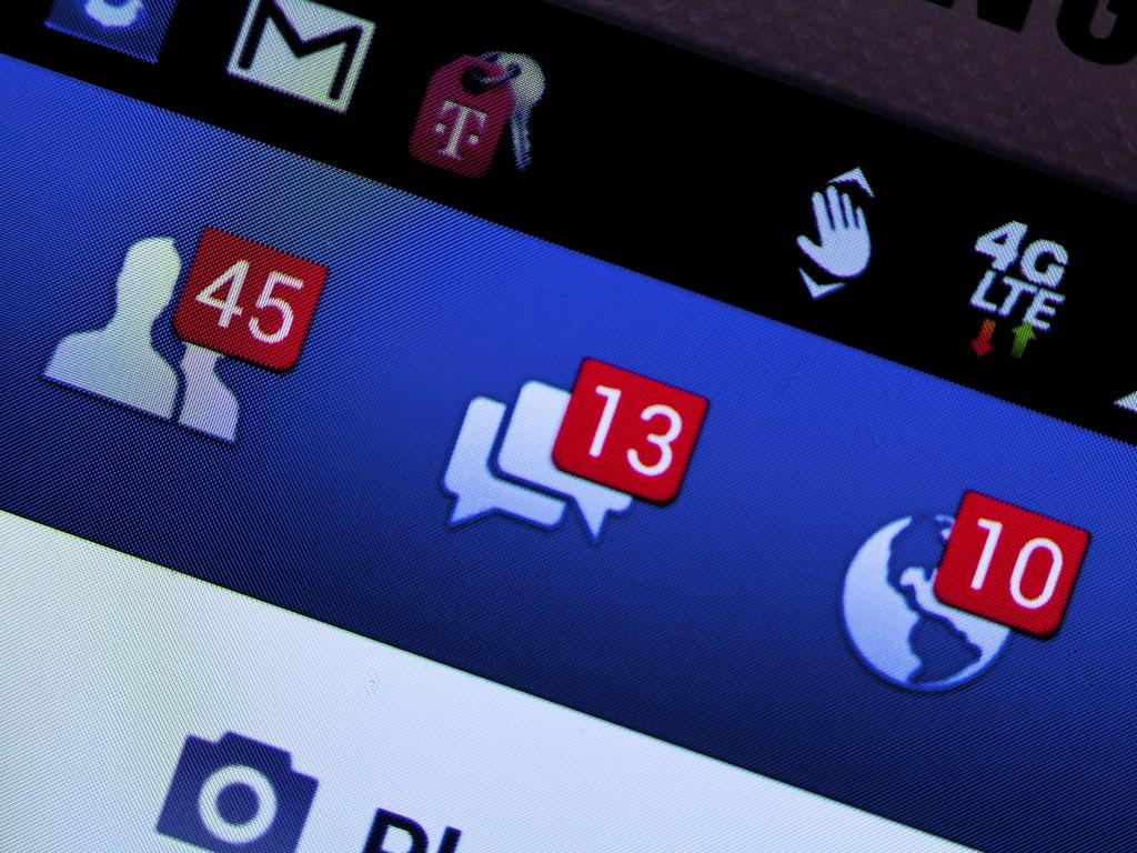 5 alapszabály, hogy a gyerek biztonságban lehessen a Facebookon! Hogyan védheted meg, mit tehetsz szülőként? Tapasztalt IT szakértőt kérdeztünk