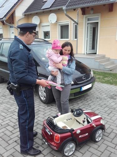 3 éves kislány járgányát lopta el négy férfi Ászáron! - Bejutottak a családi ház udvarába és egyszerűen elvitték