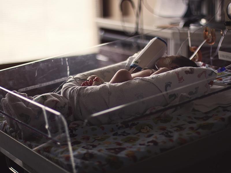 Koronavírusos kismama szült a Semmelweis klinikán - A picit császármetszéssel segítették világra az orvosok