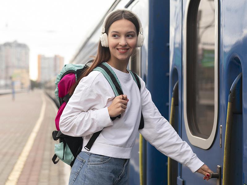 Ingyenes uniós vasúti bérletek 18-20 éves fiataloknak: Október 12-től lehet pályázni, mutatjuk a részleteket!
