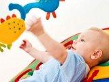 Mit játsszunk a csecsemővel - hónapról-hónapra