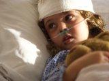 Kórházban a gyermek, földön az anyuka - avagy ki lehet bent a gyermekkel?