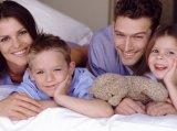 A késői gyermekvállalás előnyei és hátrányai