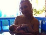 A vízben szülés előnyei és hátrányai