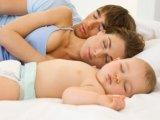 Jót tesz a csecsemőknek, ha édesanyjukkal alszanak
