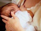 Eleget szopik a baba? Mennyi anyatejre van szüksége a babának?