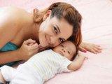 Ezért fontos, hogy nézz a baba szemébe, beszélj hozzá, simogasd!