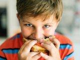 Miket adunk enni a gyerekeinknek? Azt hisszük, hogy egészséges, mert nem nézzük meg a címkét...