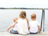 Vízparti nyaralás babával, kisgyermekkel - a tenger, a tavak és a medencék veszélyei