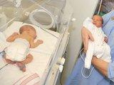Anyaméhben műtötték meg az ikerbabákat, ezzel megmentették az életüket
