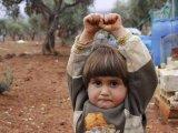 Szívszorító fotó terjed a világhálón egy alig 4 éves kislányról