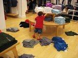 Vicces vagy szomorú? 11 fotó gyerekekről, akik nagyon unják a bevásárlást