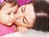 Füllyukasztás csecsemőkorban -  tiltakozás indult ellene, mert kínzásnak tartják