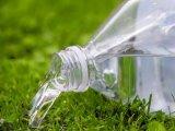 Tényleg veszélyes a forró autóban hagyott ásványvízből inni? Utánajártunk!