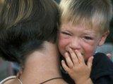 Miért öleld meg a gyermeked, amikor borzasztóan viselkedik? - Így nevelj szeretettel büntetés helyett!