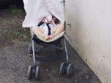 Ezért ne takard le a babakocsit kendővel a hőségben! Végzetes is lehet a babára nézve, figyelmeztet a gyermekorvos