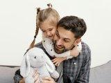 A lányos apák 10 aranyszabálya - Így neveld a kislányodat, hogy felnőttként talpraesett legyen és higgyen magában