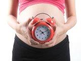 Terminustúllépés, túlhordás okai, szövődményei babánál és mamánál - Mikor és hogyan indítják meg a szülést?