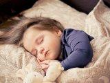 Mennyi alvásra van szüksége a 2-6 éves gyerekeknek? Milyen jelek utalnak alváshiányra? - Összefoglaló táblázattal
