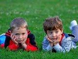 Amikor a nagytesó féltékeny a kicsire - 8 alapszabály, hogy megelőzd a testvérféltékenységet! Mit tegyél, ha mégis kitör a viszály?
