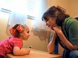 A szülő nem barát, és nem is főnök! - Milyen hibákat követ el a legtöbb anya és apa a gyermeknevelésben? Szakember válaszol