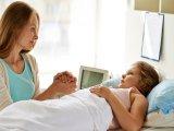 Hasi fájdalom, puffadás, hasmenés, hirtelen fogyás gyerekeknél: gyulladásos bélbetegségre is utalhatnak a tünetek!