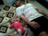 Így szerettesd meg a testmozgást gyermekeddel már babakorában! 2 aranyos követendő példát is mutatunk