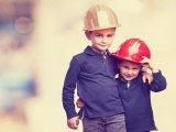 Kiskorúak munkavállalása – Mennyit dolgozhat egy kiskorú? Mikor állhat munkába? Kell-e a szülő beleegyezése? Mennyi pihenőidő, szabadság jár neki?