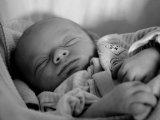 Így alszik el könnyen, gyorsan a kisbabád! - Miért nyugtatja meg a csecsemőket a fehér zaj? Fehér zaj ötletek otthonra