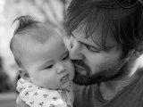 CSED igénylés 2018: már apukák is igényelhetik a CSED-et! - Mikor jogosult egy apa a csecsemőgondozási díjra?