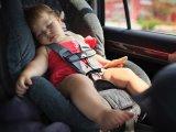 Ezért ne hagyd a gyereket egy percre sem az autóban, ha meleg az idő! Megdöbbentő eredményt hozott egy kísérlet