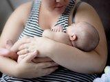 Ezért nem mindegy, hogy szoptatós kismamaként mit és mennyit eszel! A babád egészségét is veszélyeztetheted