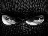 Brutális rablás Tatán: Megkínozta a gyereket a símaszkos rabló, hogy a szülők elmondják, hol tartják az értékeiket