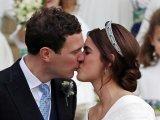 Férjhez ment Eugénia hercegnő: Cuki fotók készültek Katalin és Vilmos gyermekeiről is! - Képeken az esküvő