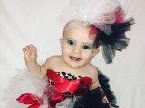 Posztolás előtt kiretusálja 11 hónapos kislánya fotóit az anyuka, mert sztárt akar belőle faragni
