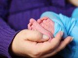 Nem mindennapi szüléstörténet: Egy hónappal azután, hogy megszülte kisfiát, ikreknek adott életet a 20 éves kismama
