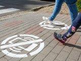 Zebra elé festett jelek: Így próbálják elkerülni a gyalogos baleseteket Orosházán - Szerinted beválik?