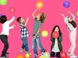 Gyerekzsúrra, szülinapi partira lufis játékok - Kintre és bentre is szuper ötletek lufival