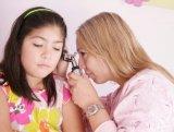 Hogyan kell tisztítani a babák, kisgyerekek fülét? Fül-orr-gégész válaszol