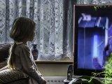 Így hat a gyerekre, ha szexjelenetet lát a tévében vagy az interneten - Hogyan kezeld a helyzetet?